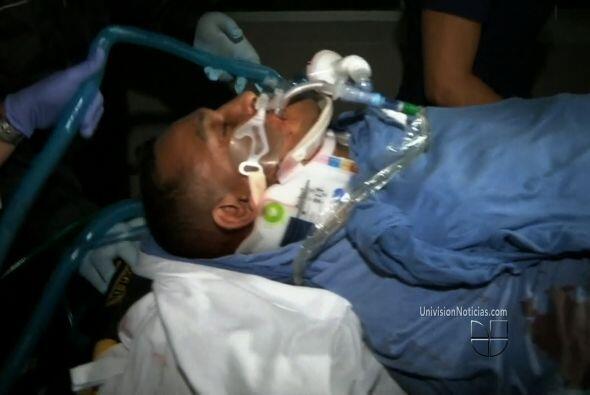 El ex boxeador continuaba el viernes conectado al respirador artificial...