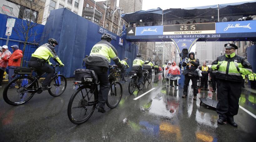 Desiree Linden y Yuki Kawauchi ganan el Maratón de Boston 2018 ap-181064...