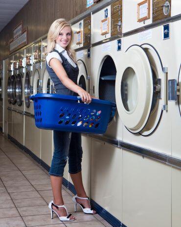 Un excelente 'tip' para el cuidado de tus prendas blancas es utilizar ag...