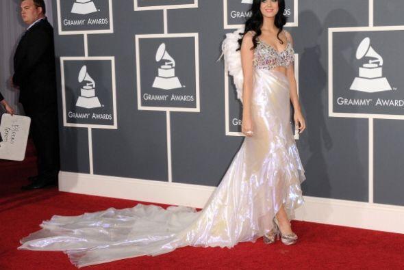 Si bien, Katy Perry lucía un rostro angelical y un cabello impecable, no...