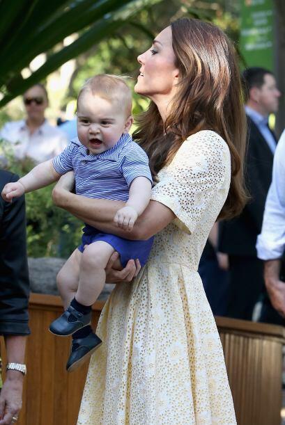 Kate como siempre lució elegante y sencilla con un vestido amarillo.