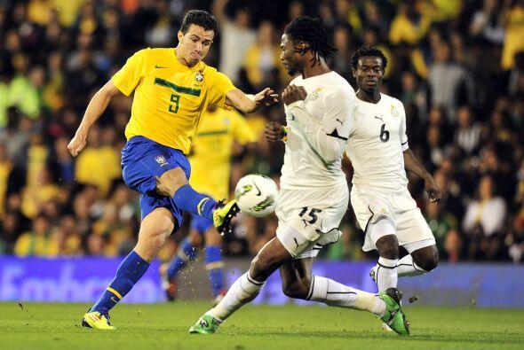 No hubo más, un gol bastó y Brasil se impuso a Ghana por 1-0.