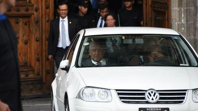 Lopez obrador promete seguir usando su modesto coche personal durante su mandato