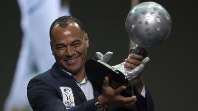 Cafú, el brasileño con más juegos con Brasil ya es inmortal