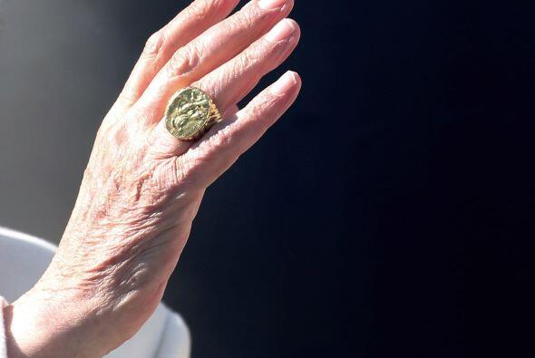 El anillo del Papa, símbolo de su pontificado, será destruido el 28 de f...