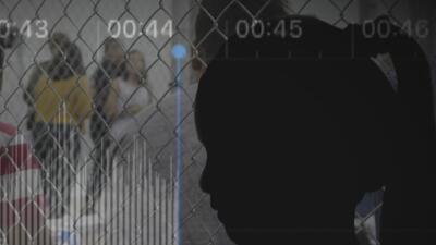 La historia de la niña salvadoreña que se escucha llorando en audios grabados en centro de detención