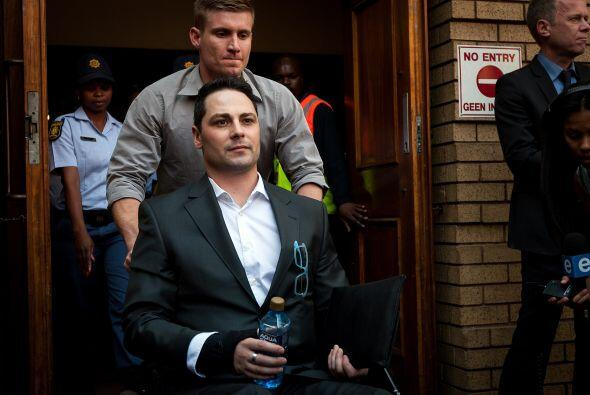 La familia de Pistorious salió del Tribunal a la espera de la resolución...