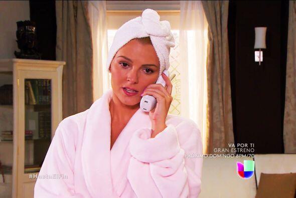 Te vemos nerviosa Sofía, ¿a quién le estás llamando?