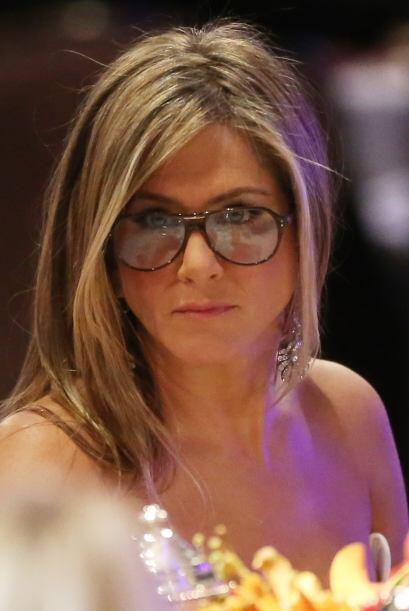 Jennifer Aniston no puede ocultar con ese modelito sesentero que ella na...