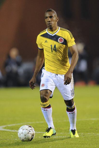 Luis Amaranto Perea:El defensor colombiano impone su presencia tanto a r...