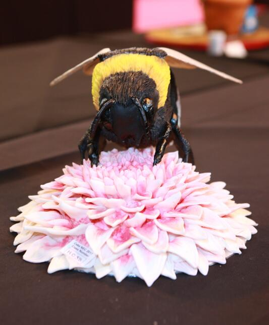 La competencia de pasteles mundial, Cake International, exhibió pasteles...