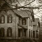 Lo que hay detrás de las casas embrujadas