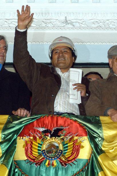 """BOLIVIA VS. EMPRESAS DE HIDROCARBUROS- El 1 de mayo de 2006, y bajo un """"..."""