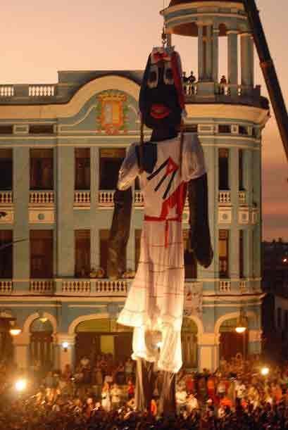 Cuba: Centro histórico de Camagüey. Camagüey es una ciudad situada en el...