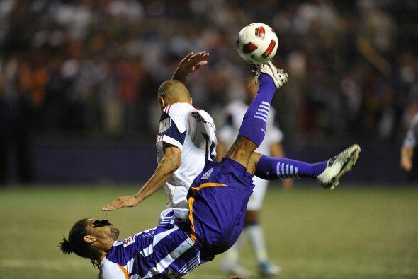 La primera semifinal dejó un saldo positivo para el RSL: 2-0 a Saprissa...