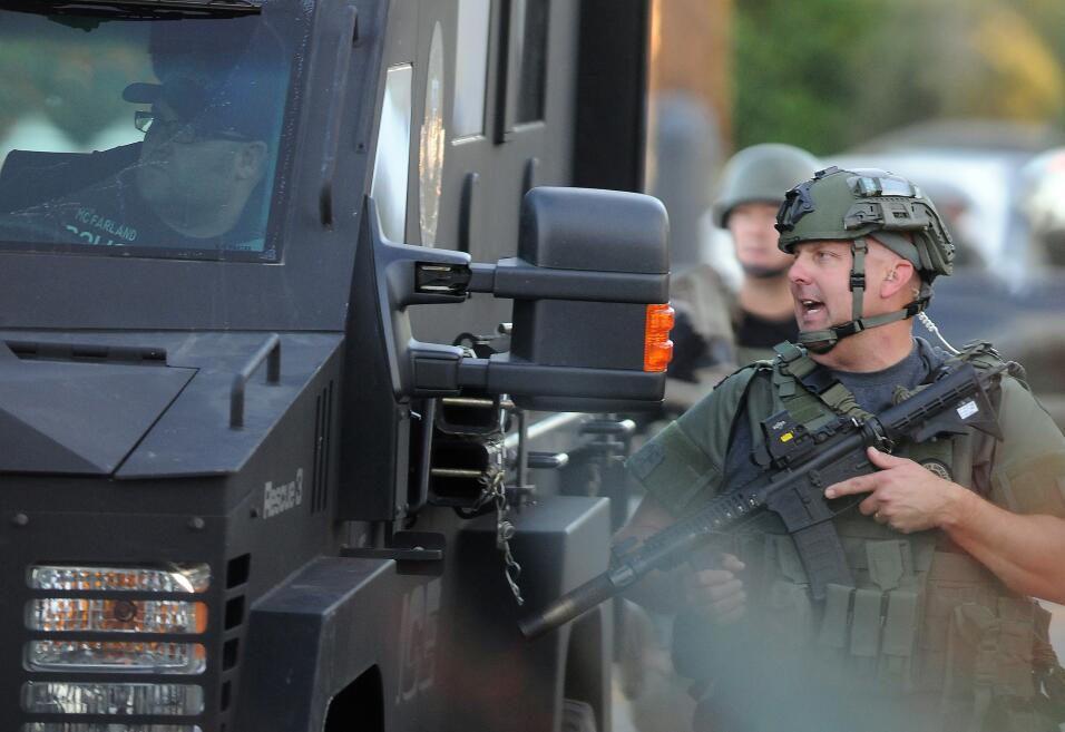 Hispanos consternados por tiroteo en California  sanbernardino2.jpg