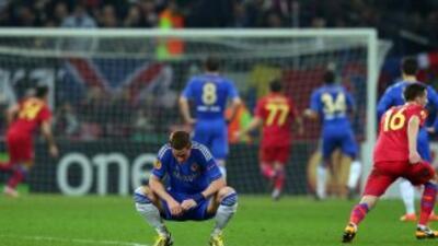 Un abatido Torres prefirió no mirar el momento en el que el Steaua se pu...