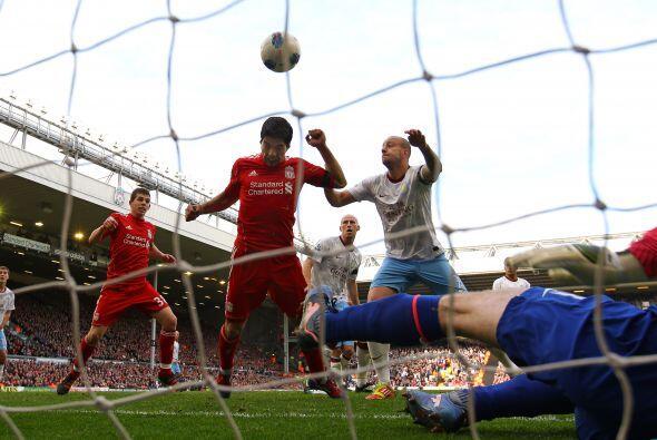 Luis Suárez puso la cabeza y marcó el 1 a 1.