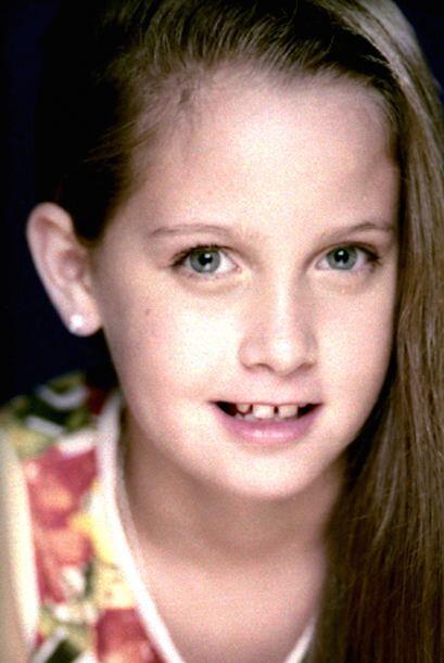 Otra pequeña actriz inconfundible es Natasha Dupeyrón, aquí la vemos a s...
