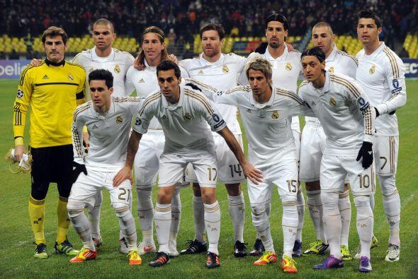 Alineaciones probables:  Real Madrid: Casillas; Arbeloa, Sergio Ramos, P...