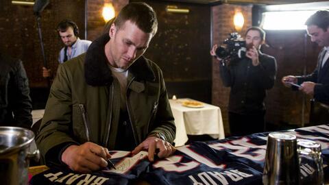 Aparece en México la camiseta de Tom Brady que había sido robada al fina...