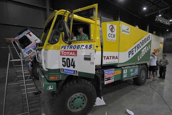 La división de camiones incluirá medio centenar de unidades.