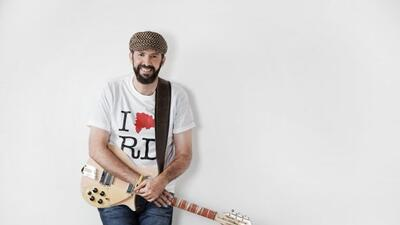 """Juan Luis Guerra ft. Romeo Santos estrena su nuevo tema """"Frío, Frío""""."""