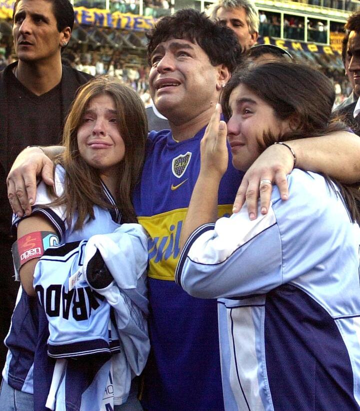 Los 56 años de Diego Maradona, entre la gloria y la controversia Despedi...