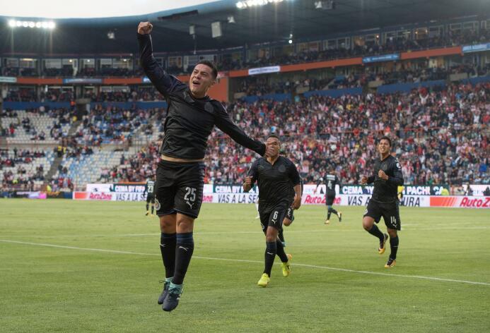 Finalmente las Chivas aprendieron a ganar y lo hicieron ante Pachuca Gol...