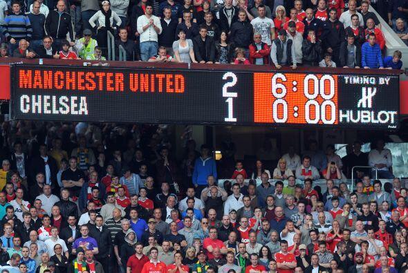 Triunfo de 2-1 para el Manchester United, que es el virtual campeón de l...
