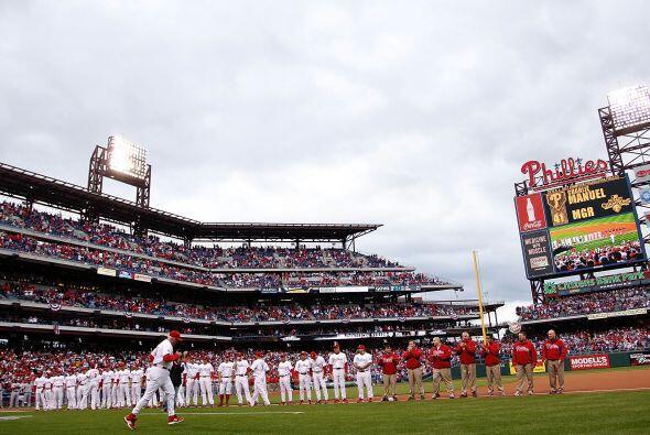 Los Phillies de Filadelfia iniciaron su serie divisional ante los reds d...