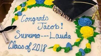 Pastelero de Publix suprime palabra en el mensaje de un pastel porque le pareció obscena