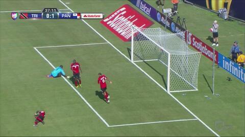 Terrible falla doble de la defensa de TyT que acaba en el primer gol de...