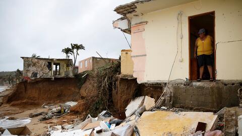 Yamary Morales observa la destrucción que causó Mar&iacute...