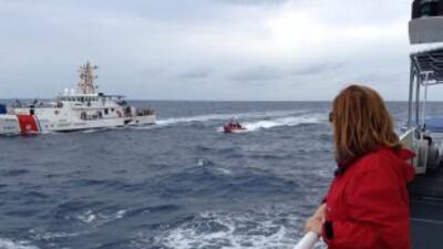 La periodista Lourdes del Río a bordo de una de las naves de la Guardia...
