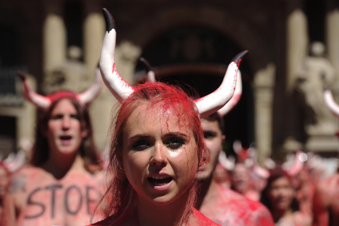Fiestas españolas de San Fermín: ¿tortura o tradición? GettyImages-80915...