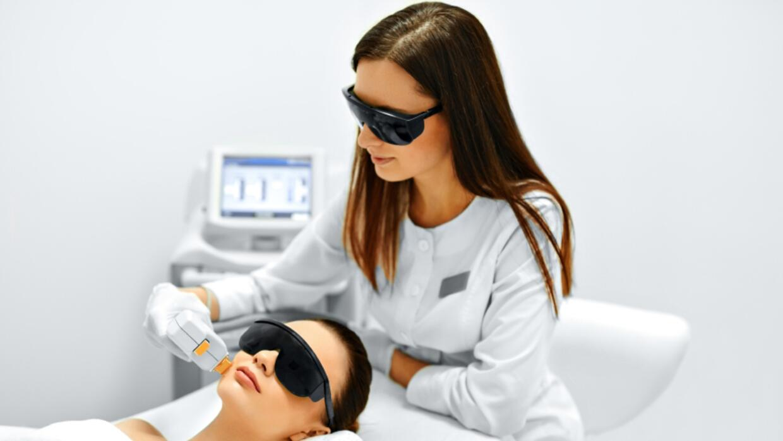 Este experto recomienda el uso de ciertos ingredientes cosméticos y trat...