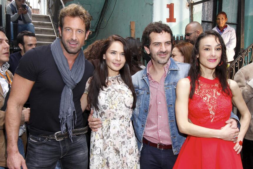 Gabriel Soto robó y robó suspiros en 'Yo No Creo En Los Hombres' SOTOyLO...