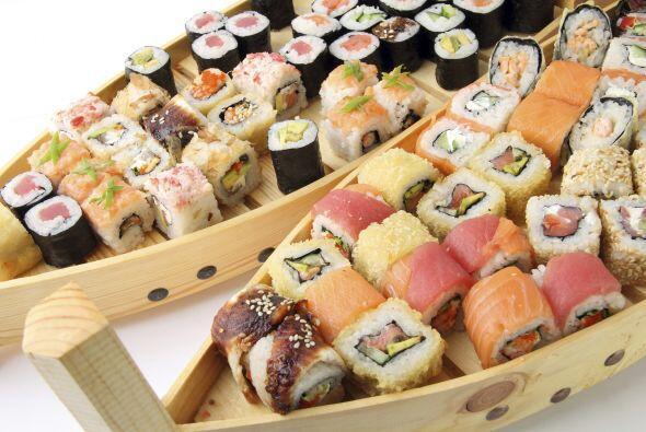 Sushi Otro platillo muy rico, pero que puede provocarte problemas es el...