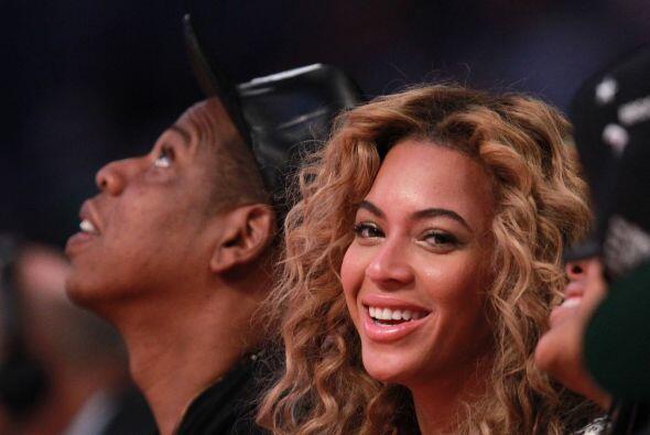 Beyoncé y su esposo Jay Z disfrutando del showen primera fila