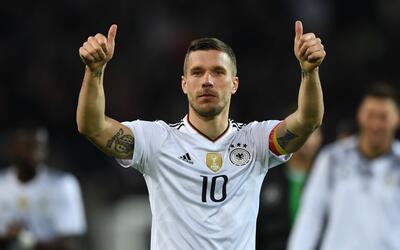 Lukas Podolski se despidió de la selección de Alemania.