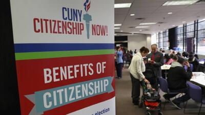 Si has usado programas sociales el gobierno de Trump podría negarte la ciudadanía
