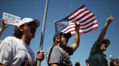 Inmigrantes manifestándose en California.