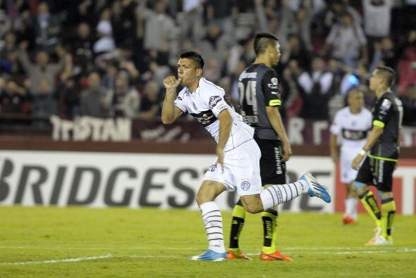 Facundo Monteseirín fue el encargado de anotar el gol del empate ante Sa...