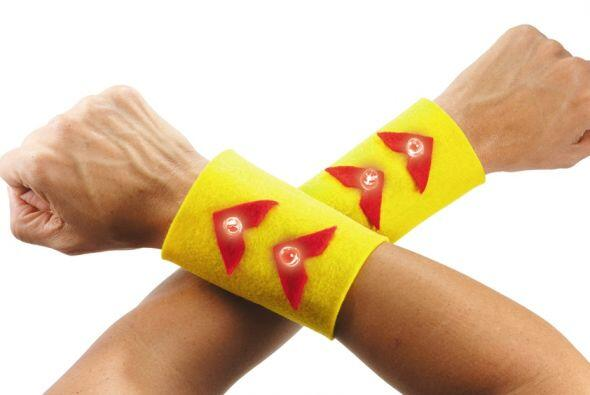 Para fabricarlos sólo necesitas un par de trozos de tela, una bat...