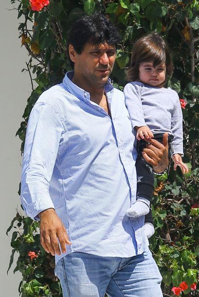 Tonino, el hermano de Shakira, se llevó al nene a pasear. Mira aquí los...