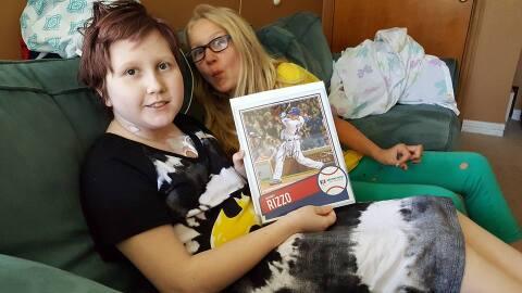 Abby Schrage de 12 años de edad con la foto autografiada de Antho...
