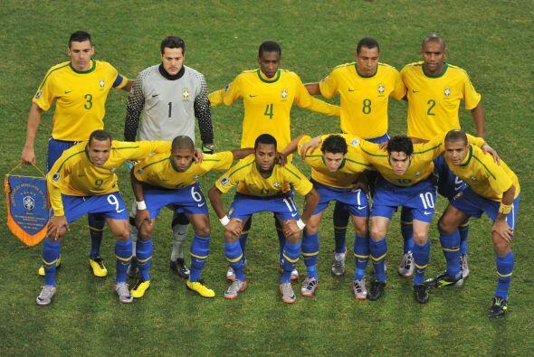 GRUPO B: Brasil es siempre Brasil, tiene 8 Copas ganadas y con Menezes c...