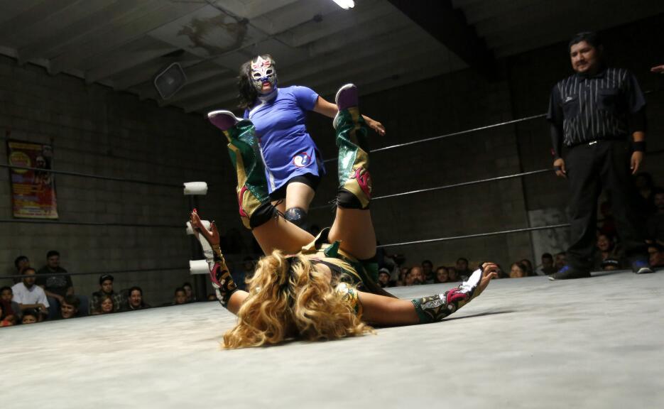 Las funciones de lucha libre en Los Ángeles son una oportunidad laboral...