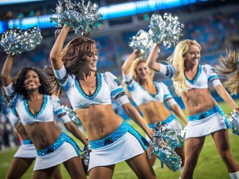 Las bellezas de los Carolina Panthers te estarán esperando en el...